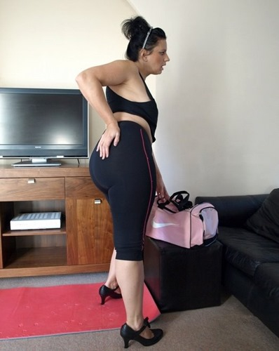 lycra-ass-daniella-exposing-her-big-ass